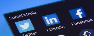 Share LinkedIn updates on Twitter and Facebook using PAS